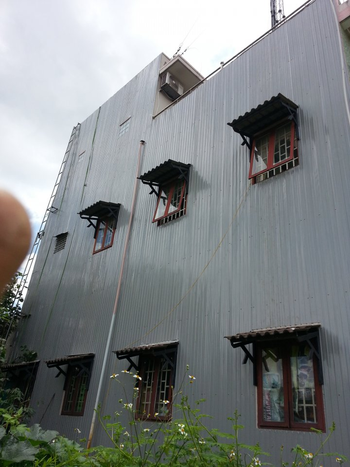 Kết quả hình ảnh cho đóng tôn tường chống thấm